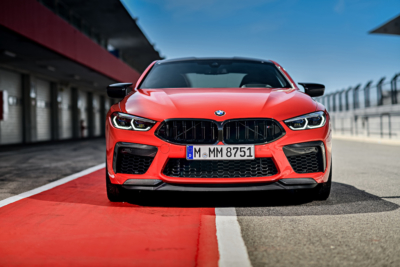 BMW M8 Coupé in rot