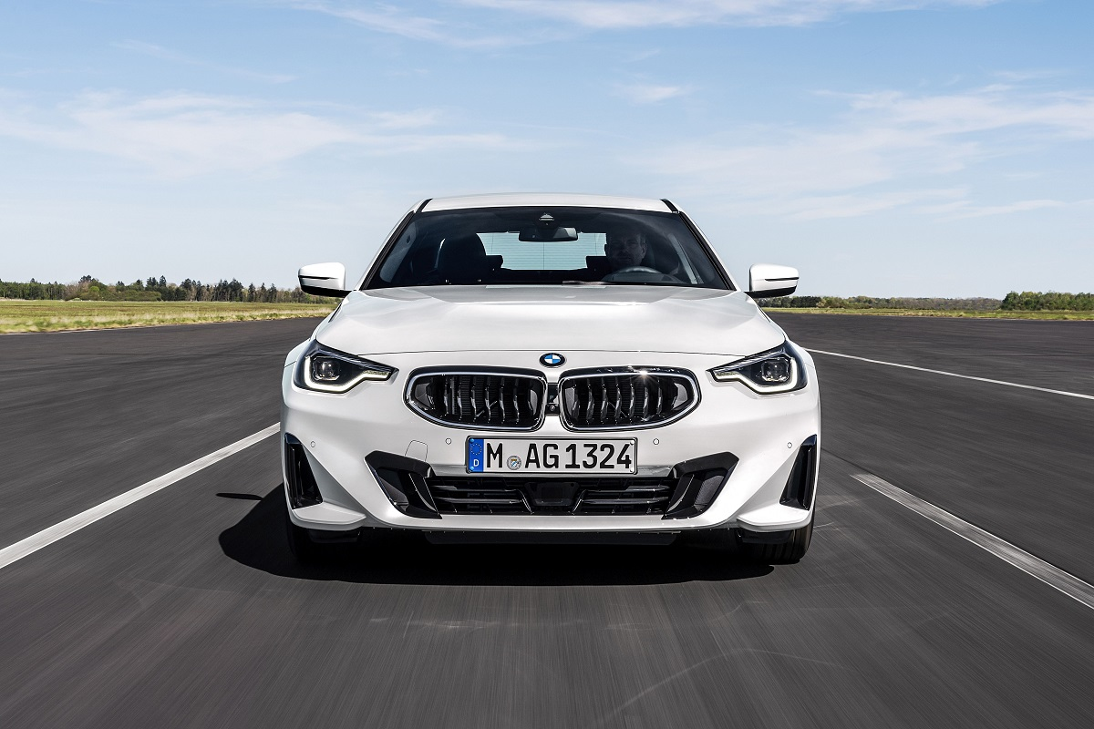 BMW 220i Coupe Front
