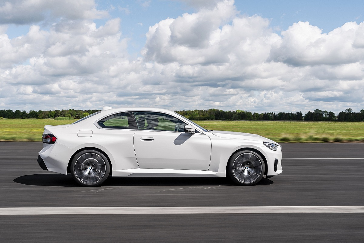 BMW 220i Coupe Seite