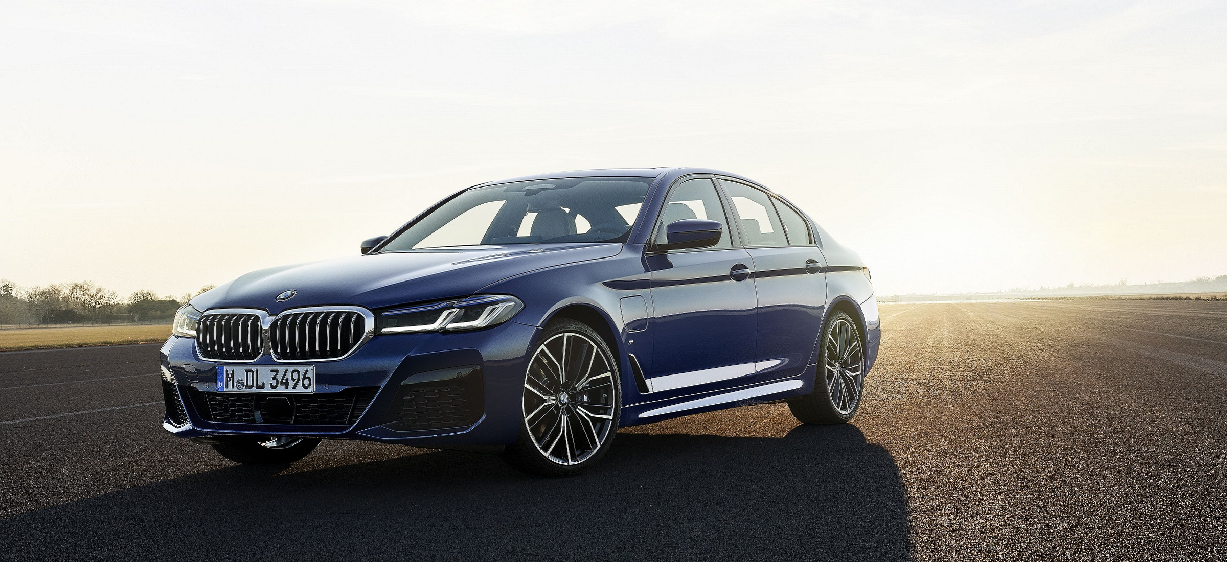 BMW 530e Limousine blau