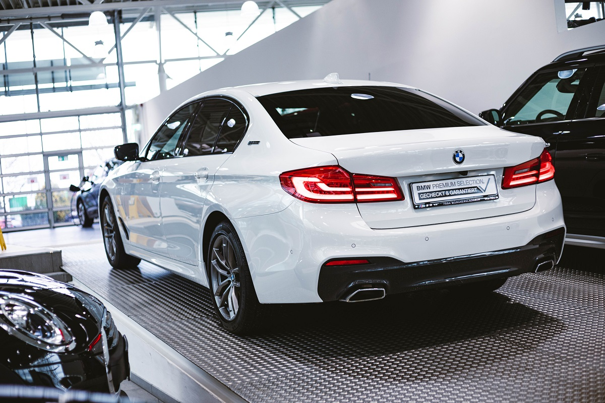 BMW 530e Seitenansicht