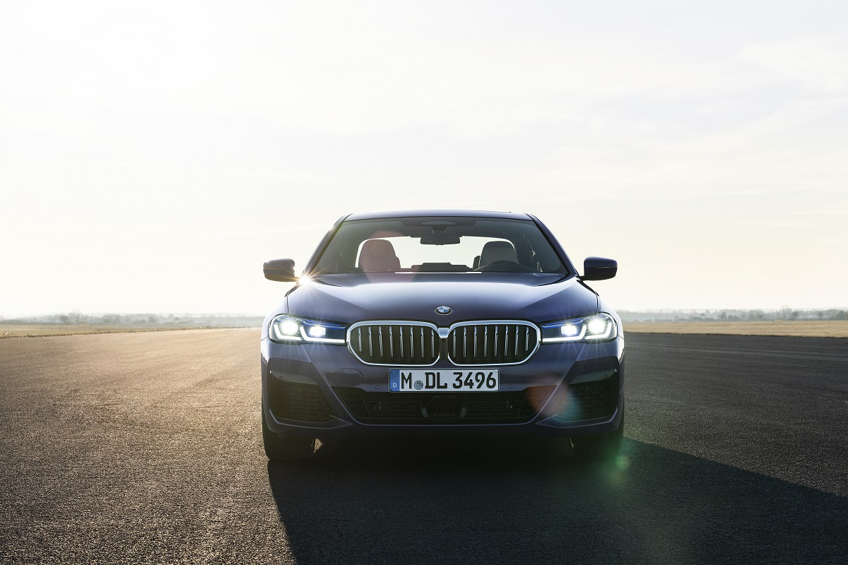 BMW 530e Limousine Front