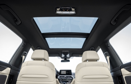 Innenraum und Schiebedach des BMW 6er Gran Turismo