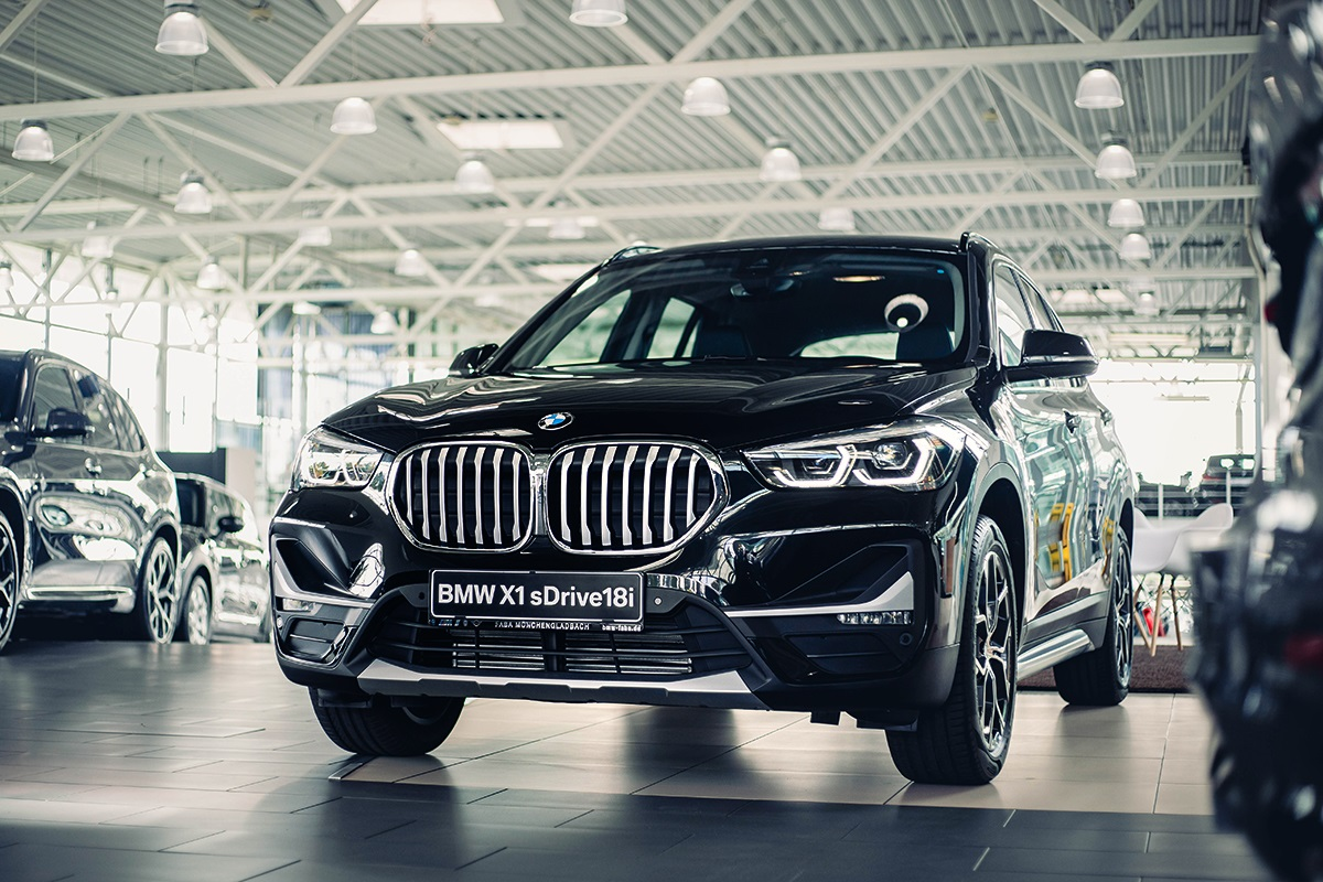 BMW X1 sDrive18i Front