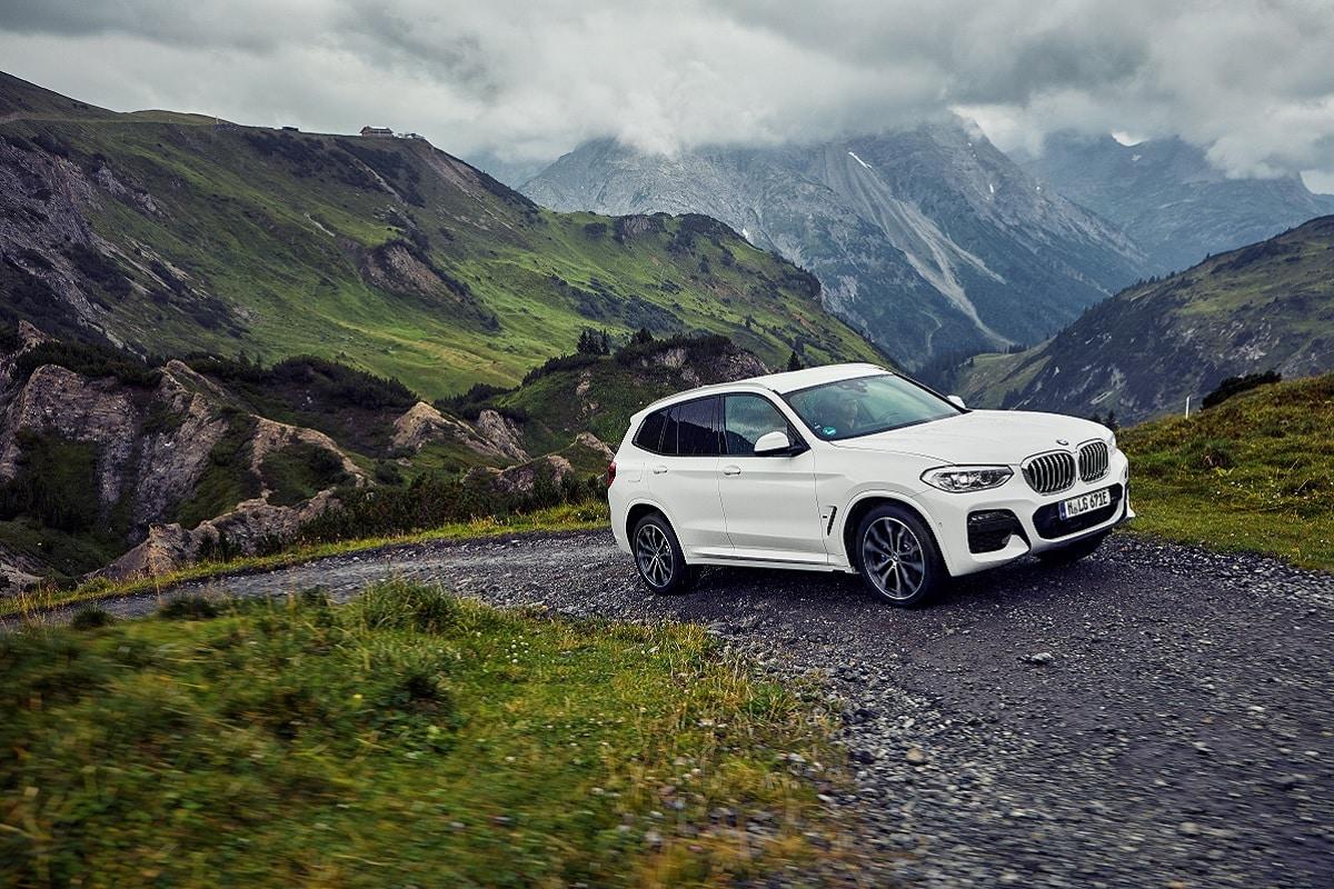 BMW X3 xDrive30e Seite