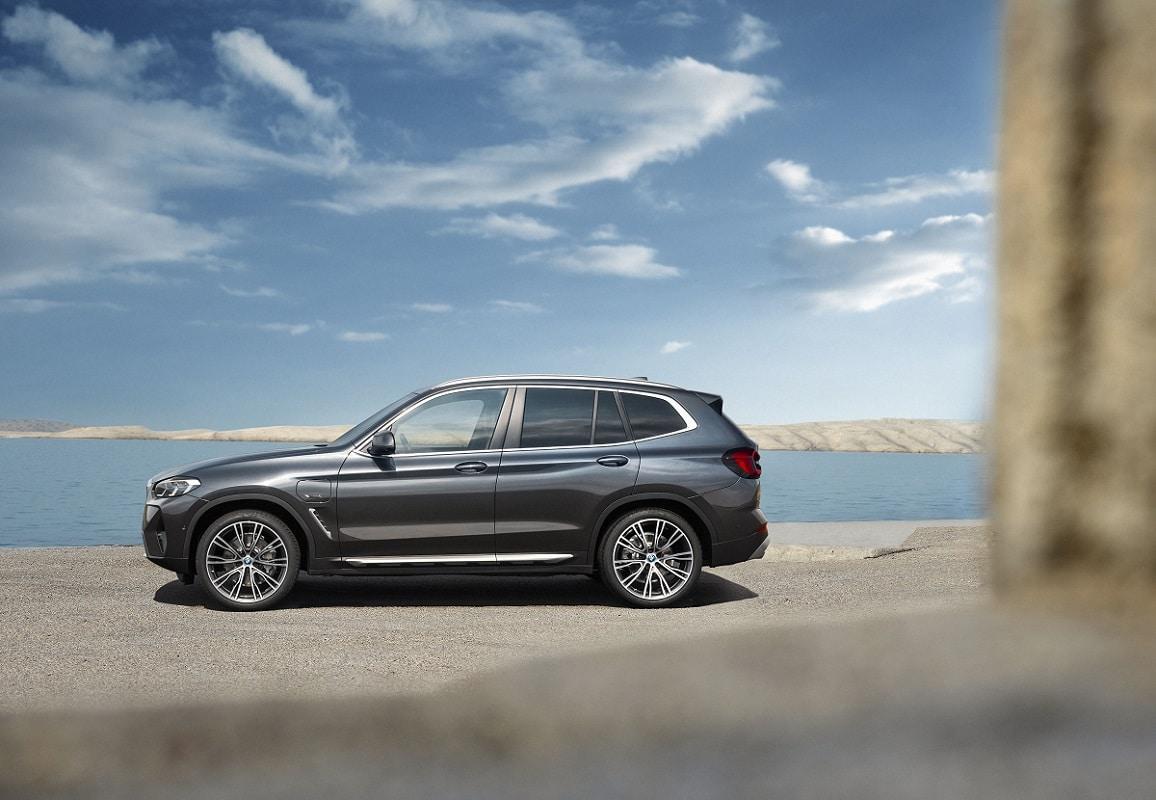 BMW X3 xDrive30e LCI Hybrid Seite