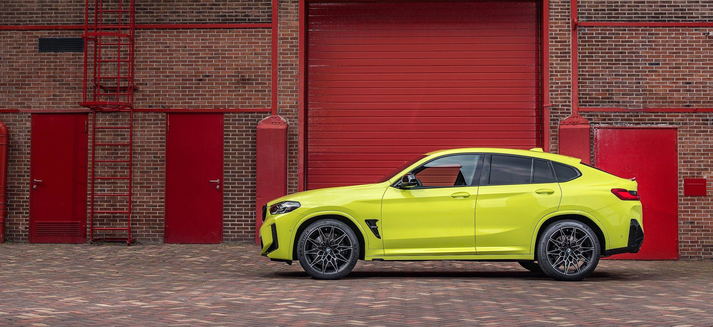 BMW X4M Competition Seitenansicht Footer