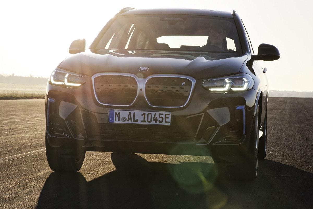 BMW iX3 LCI Front
