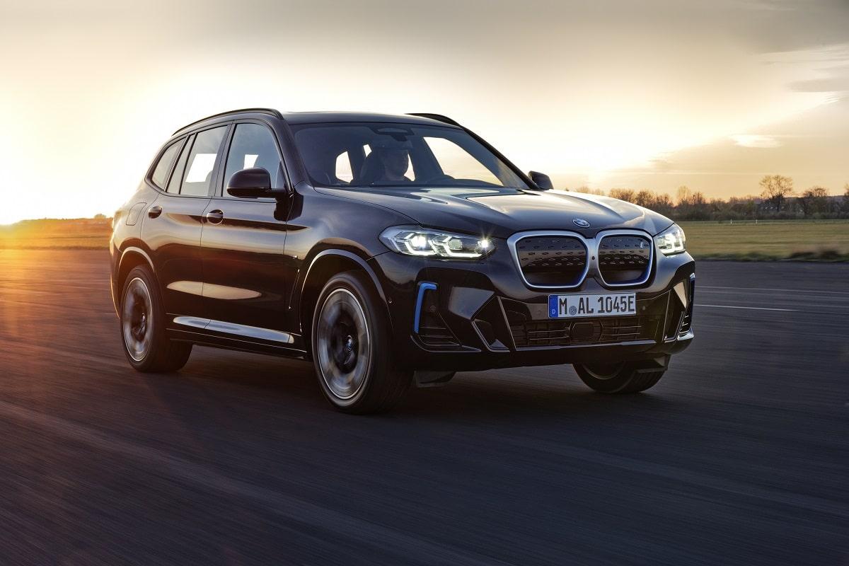 BMW iX3 LCI Scheinwerfer