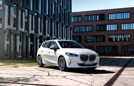 BMW 2er Active Tourer Facelift - 223i in weiß