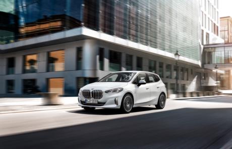 BMW 2er Active Tourer Facelift in weiß 2021