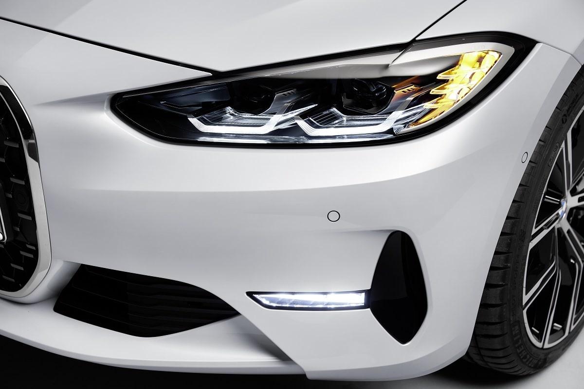 Scheinwerfer des BMW 4er Coupé