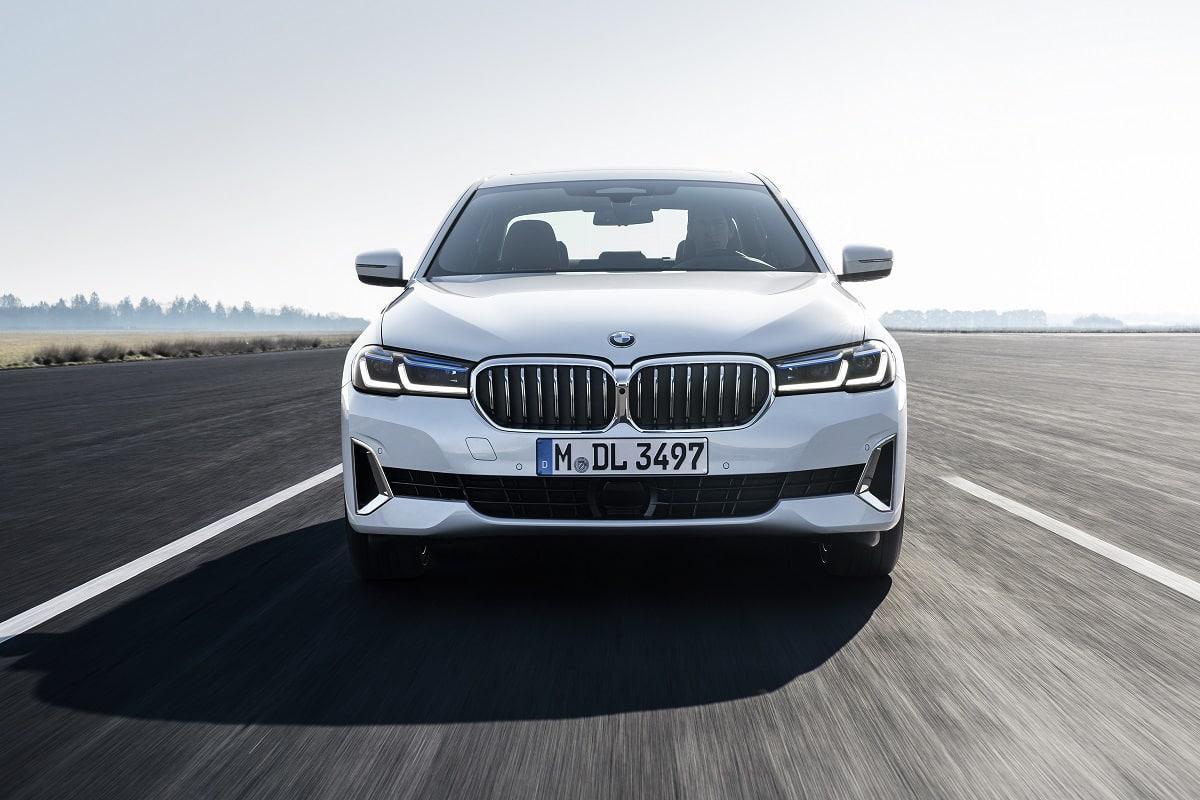 Front der neuen BMW 5er Limousine