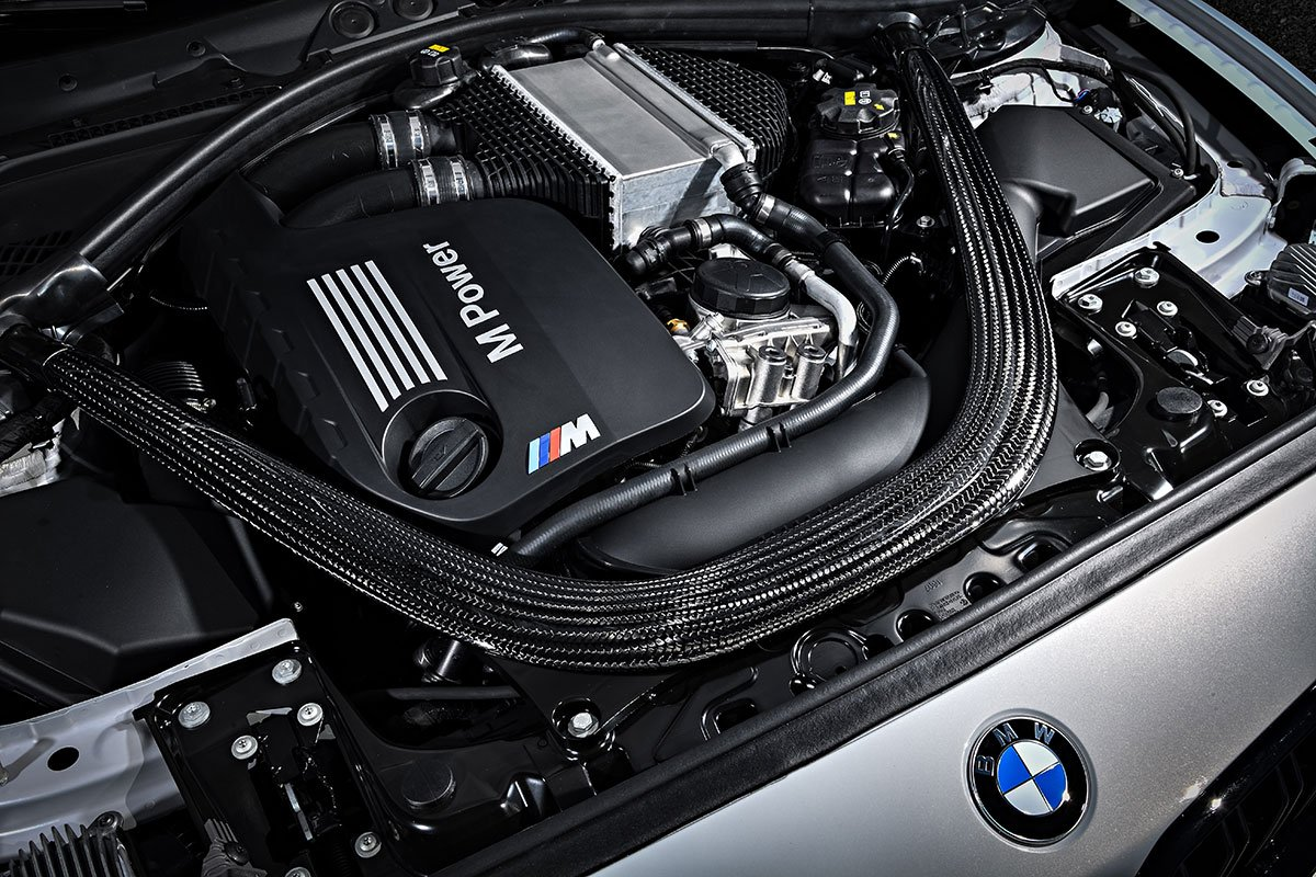 M Power - Motor im BMW M2