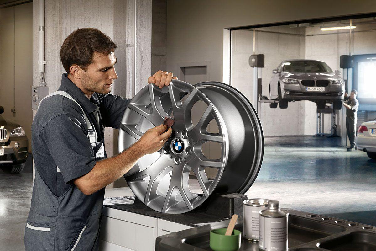 BMW Lackiererei und Werkstatt