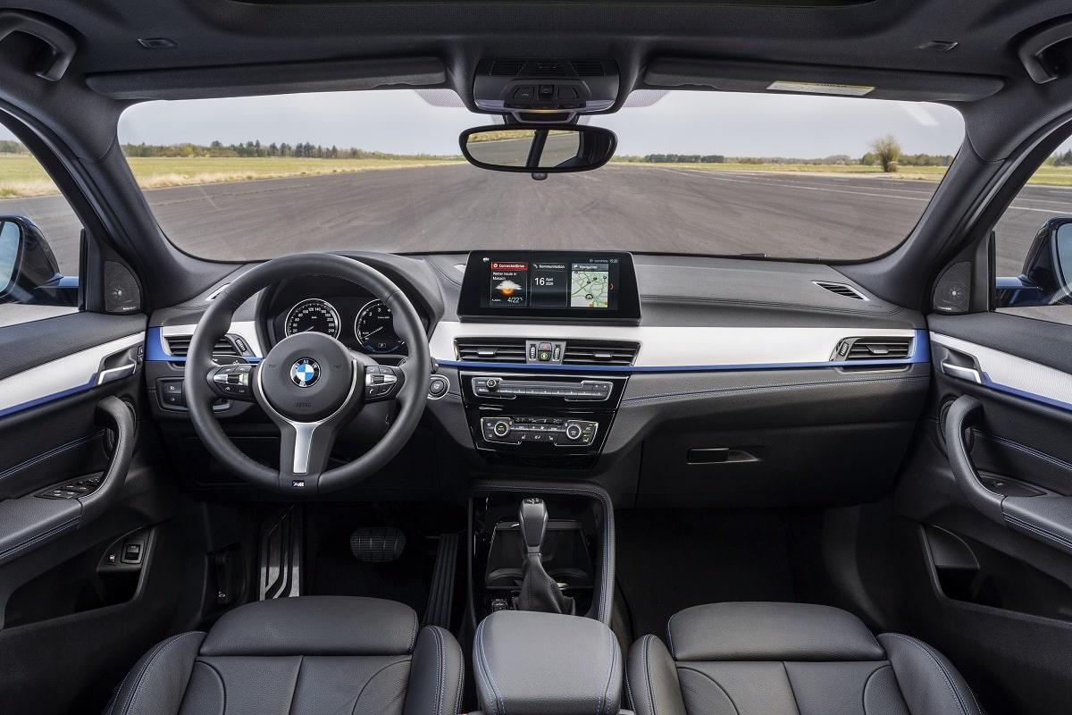 BMW X2 xDrive25e Hybrid - Cockpit