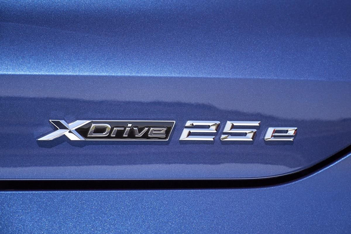 BMW X2 xDrive25e Hybrid - Schriftzug