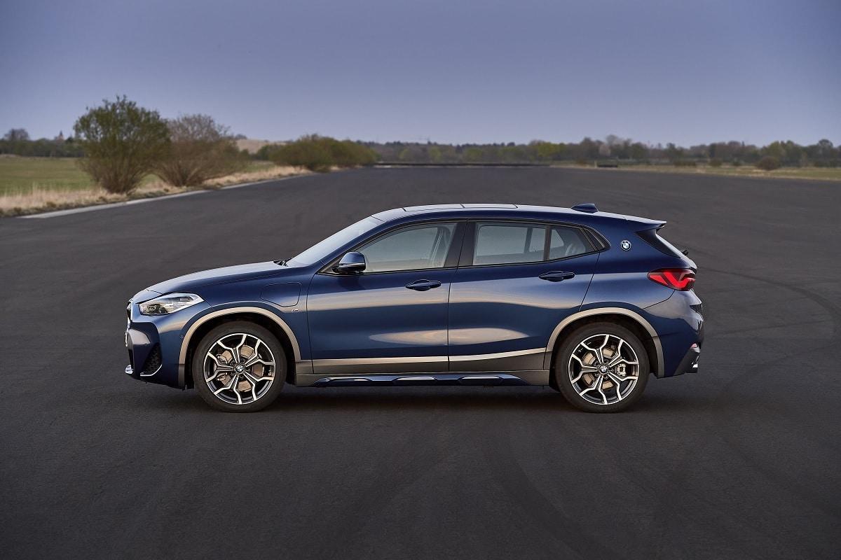 BMW X2 xDrive25e Hybrid - Seitenansicht