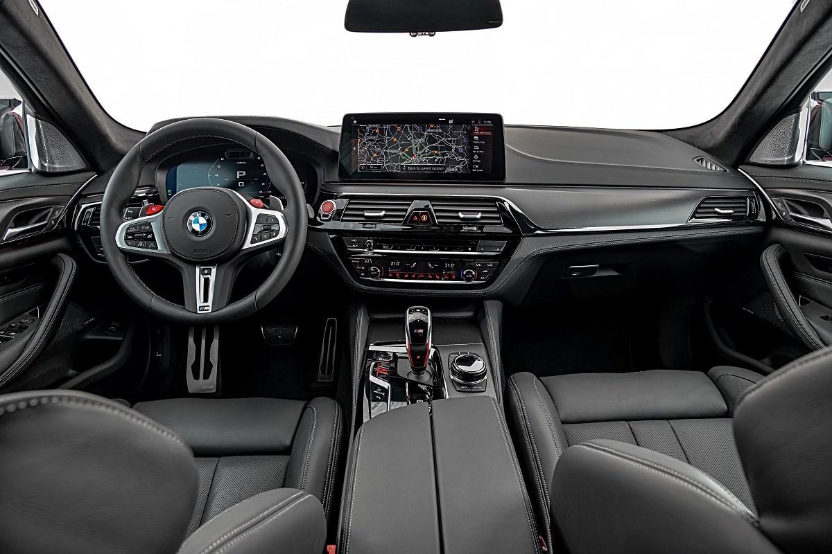 Cockpit des BMW M5 Competition