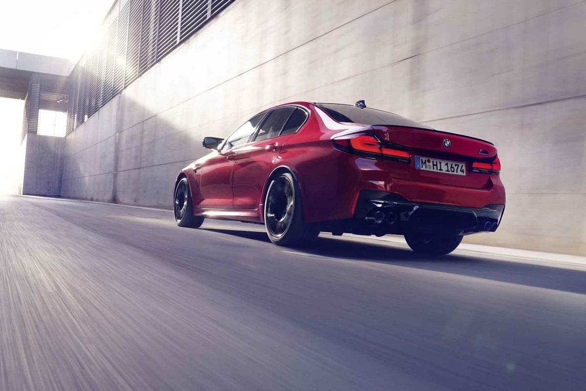 Heckansicht des BMW M5 Competition