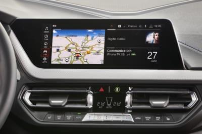 Navigation und Entertainment im BMW M135i